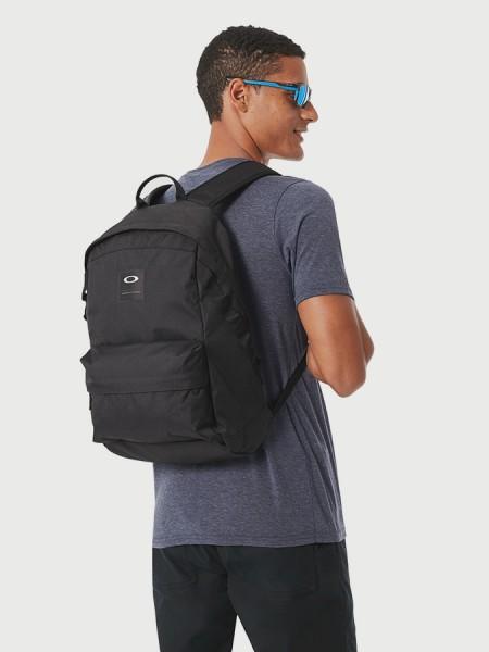 Batoh Oakley Holbrook 20L Backpack Černá