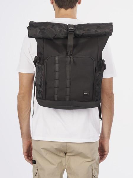 Batoh Oakley Utility Rolled Up Backpack Černá