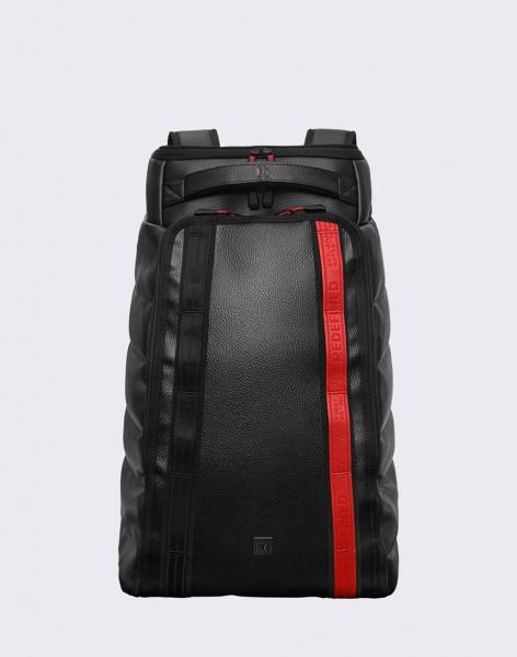 Batoh Douchebags The Hugger 30L REDefined Black/ Red Střední (21 – 30 litrů)