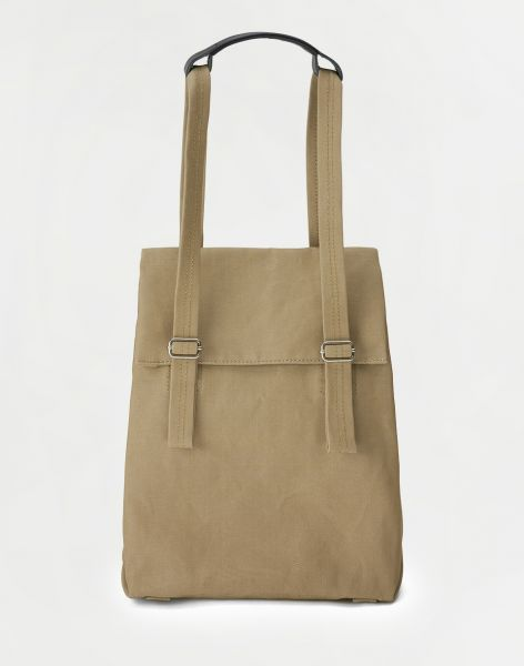 Qwstion Flap Tote Small Sand 11 l