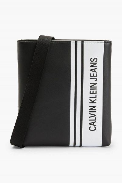 Calvin Klein černá pánská taška Micro Flatpack